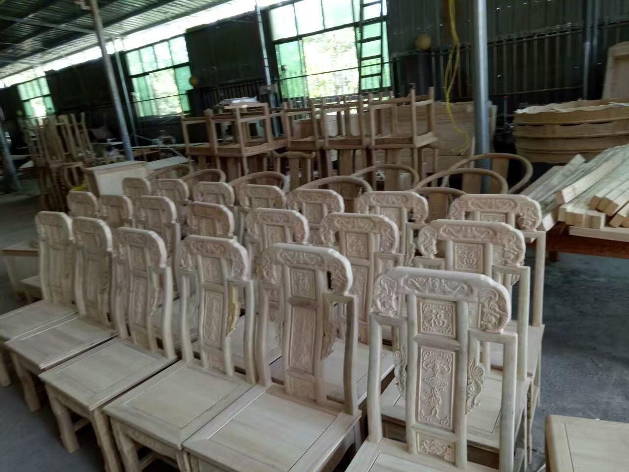 实木餐桌椅用什么油漆好,山东宁津吴总信赖堡润家具漆