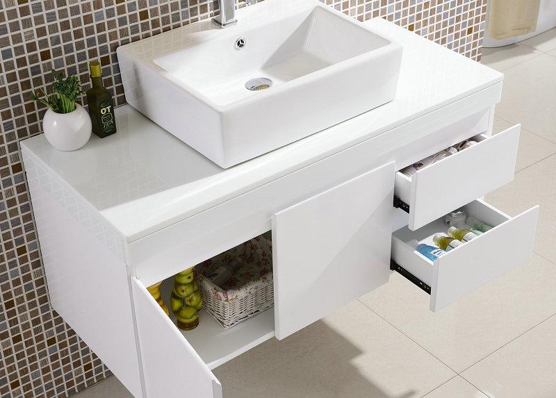 堡润PU耐黄变白色面漆在出口级卫浴工厂实际应用中