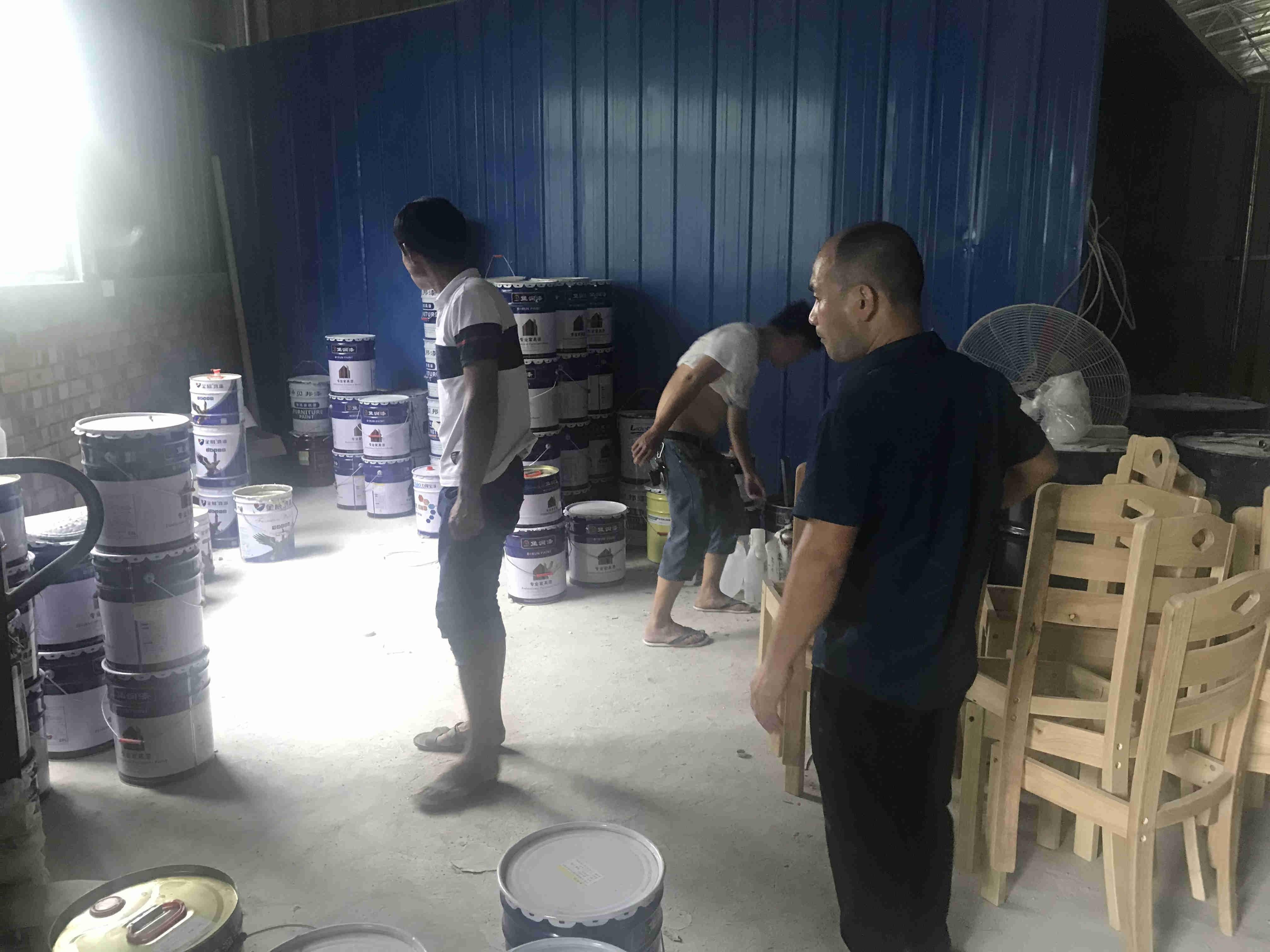 堡润家具漆张总一行到湖南永州家具漆市场进行走访