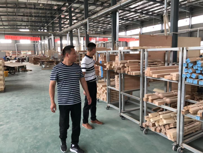 家具漆厂家堡润漆走访安徽实木楼梯定制家具企业
